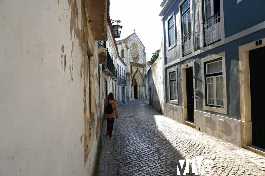 Calle de Santarém con la iglesia de Nuestra Señora de Graça al fondo