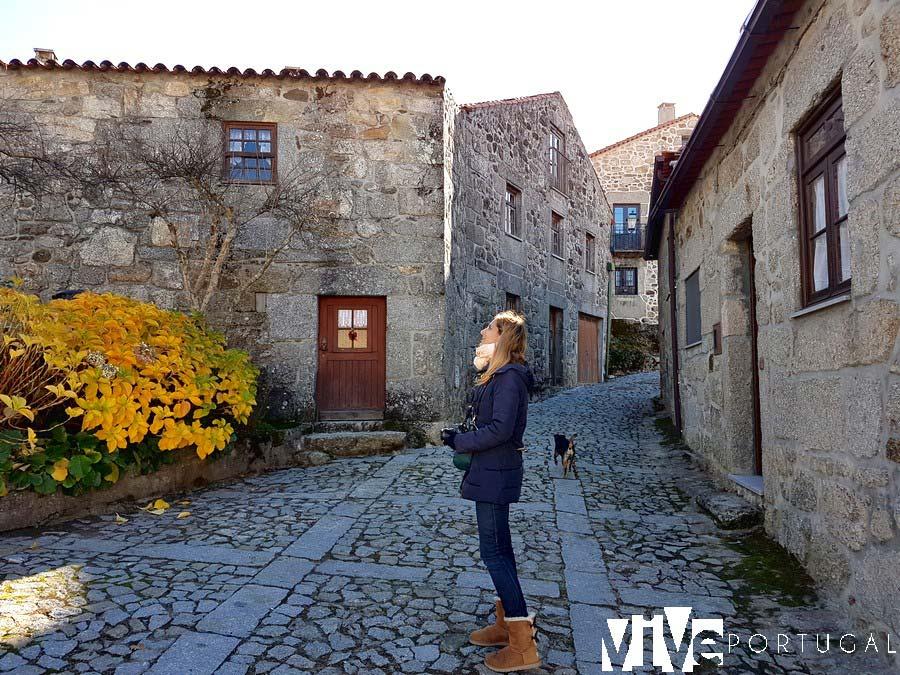 Una calle con encanto de Linhares da Beira