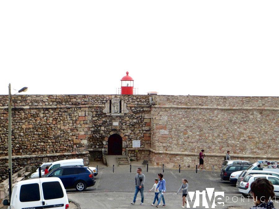 Farol da Nazaré y fuerte de San Miguel qué ver en Nazaré