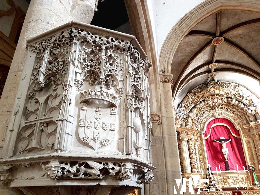 Interior de la igreja de São João Batista