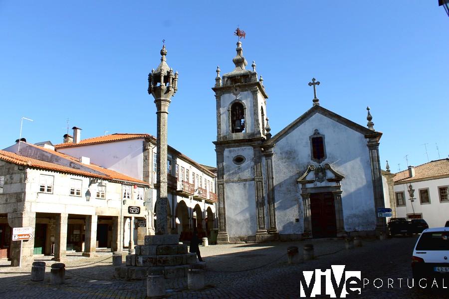 Igreja de São Pedro y Pelourinho Trancoso Portugal