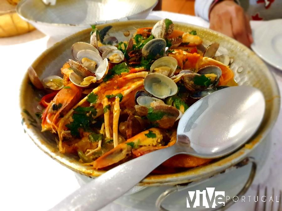 Cataplana de mariscos del restaurante João da Longueira