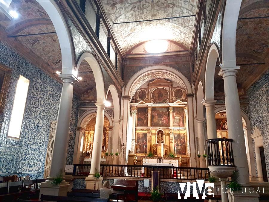 Interior de la igreja de Santa Maria